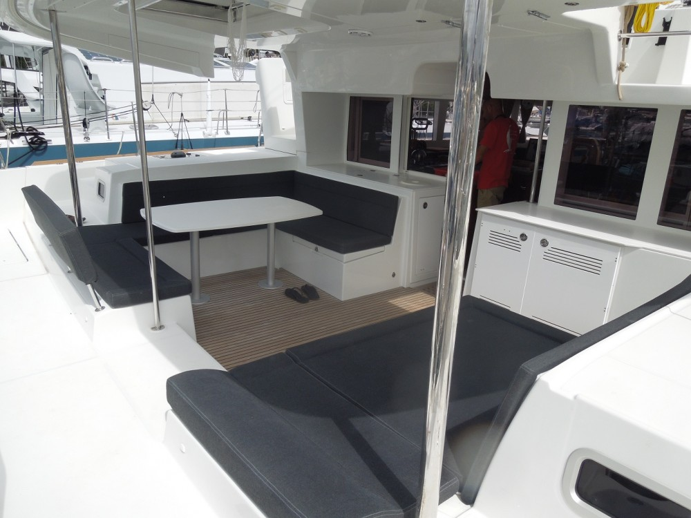 Location bateau CNB Lagoon 450 F à Calliaqua sur Samboat