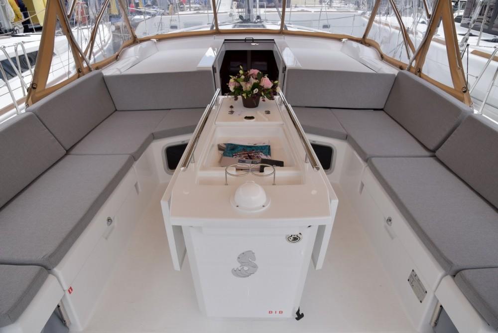Location bateau Bénéteau Oceanis 51.1 à Égée sur Samboat