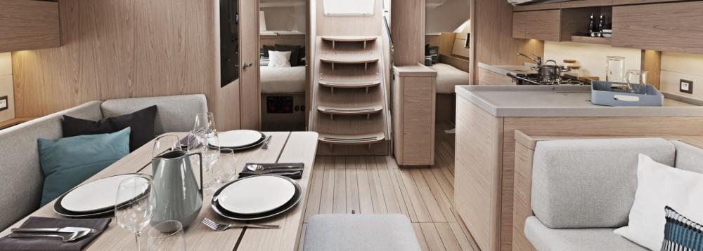 Location yacht à  - Bénéteau Oceanis 46.1 sur SamBoat