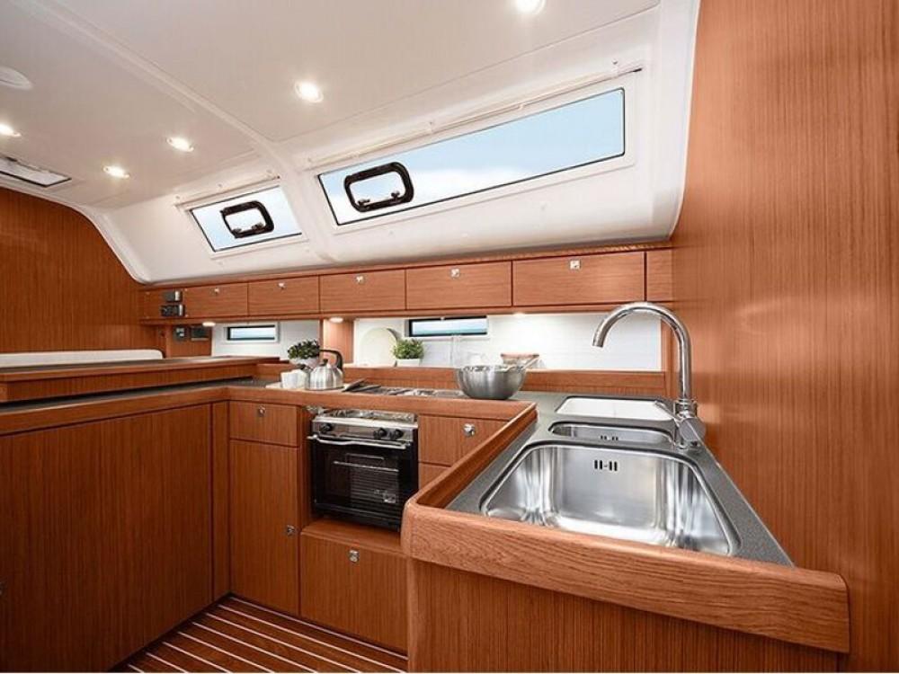 Bavaria Bavaria Cruiser 51 entre particuliers et professionnel à