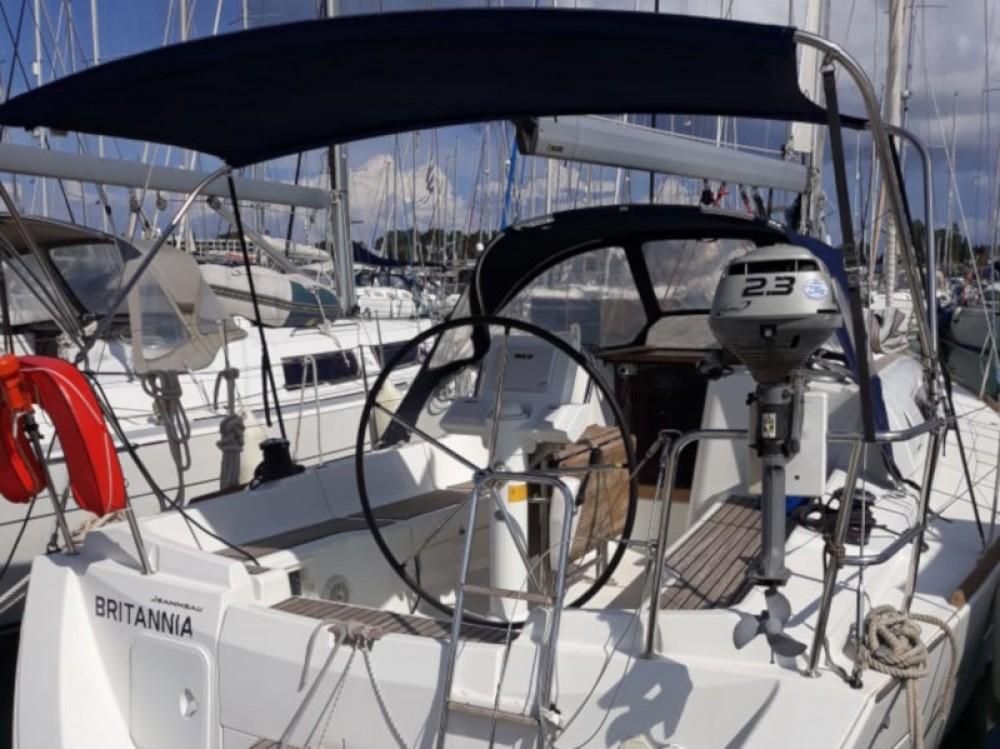 Location Voilier à Marina Gouvia - Jeanneau Sun Odyssey 33i