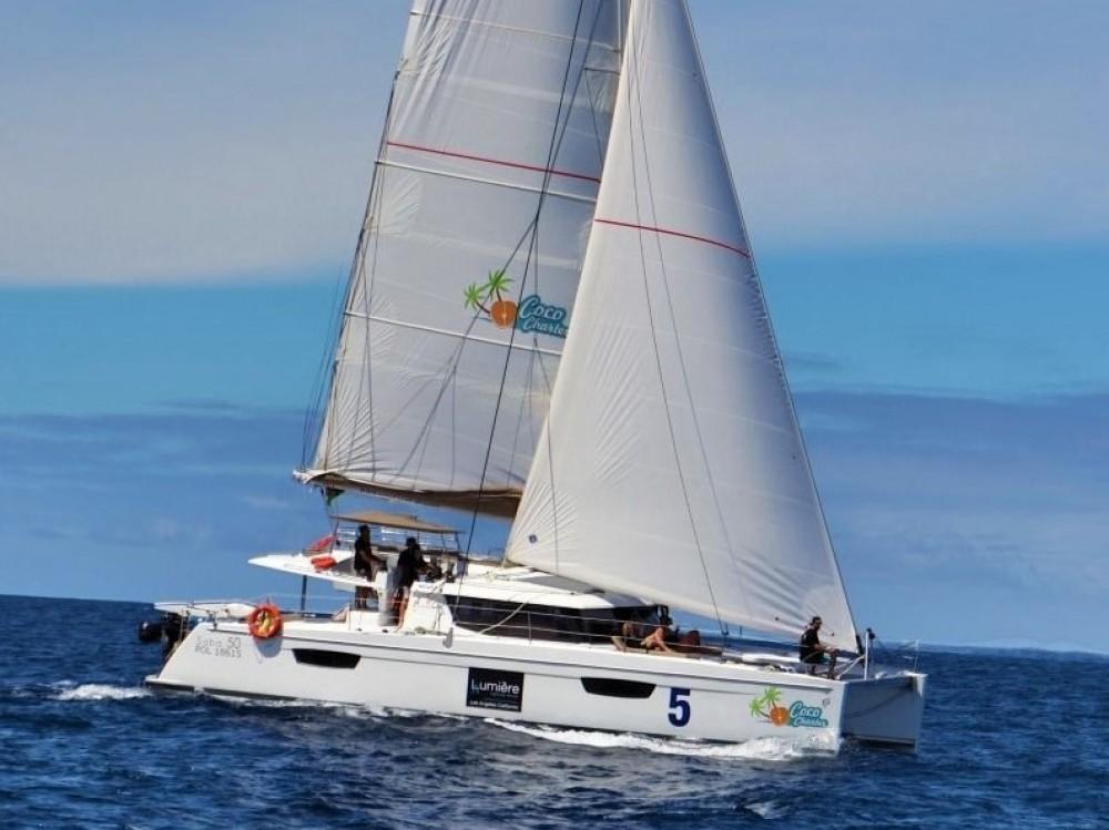 Location Catamaran à Victoria - Fountaine Pajot Saba 50 [7 CAB]