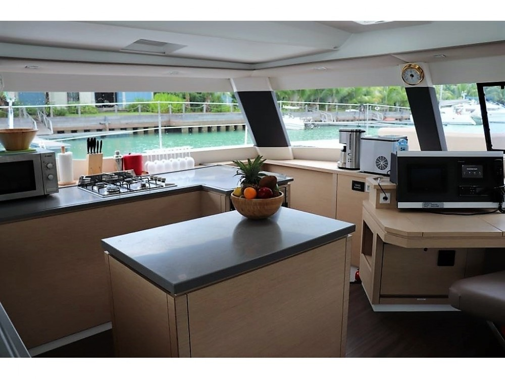 Location bateau Victoria pas cher Saba 50 [7 CAB]