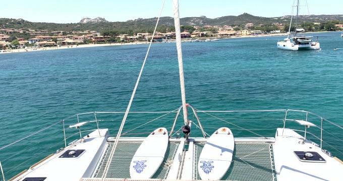Location bateau Cannigione pas cher Lagoon 52