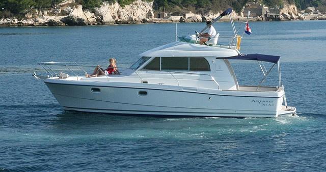 Location bateau Rogoznica pas cher Antares 10.80