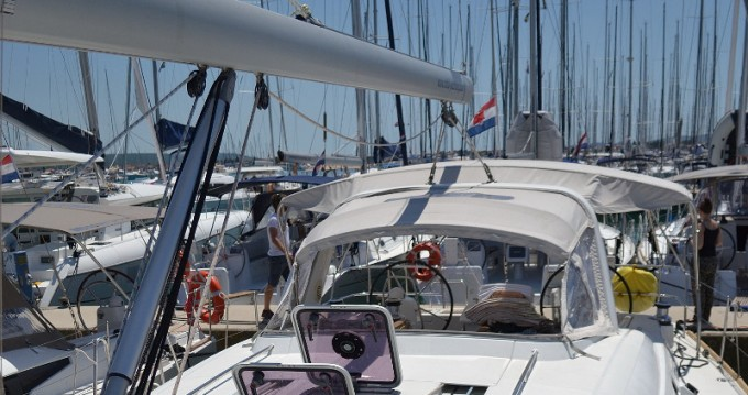 Location bateau Sukošan pas cher Oceanis 50 Familiy