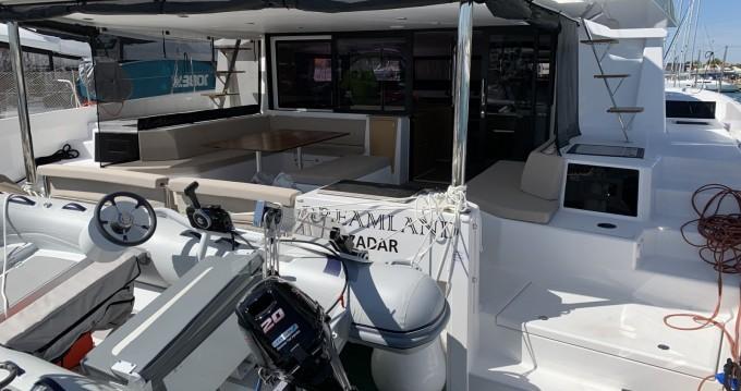 Location bateau Sukošan pas cher Dufour Catamarans 48
