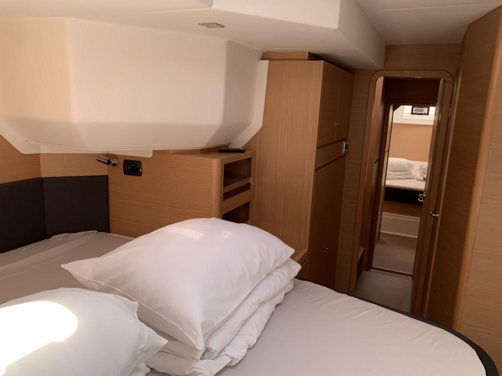 Louer Catamaran avec ou sans skipper Dufour à Sukošan