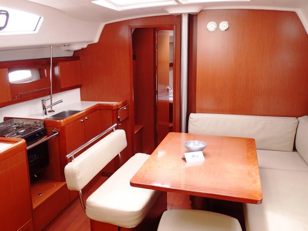 Location yacht à Sukošan - Bénéteau Oceanis 43 sur SamBoat