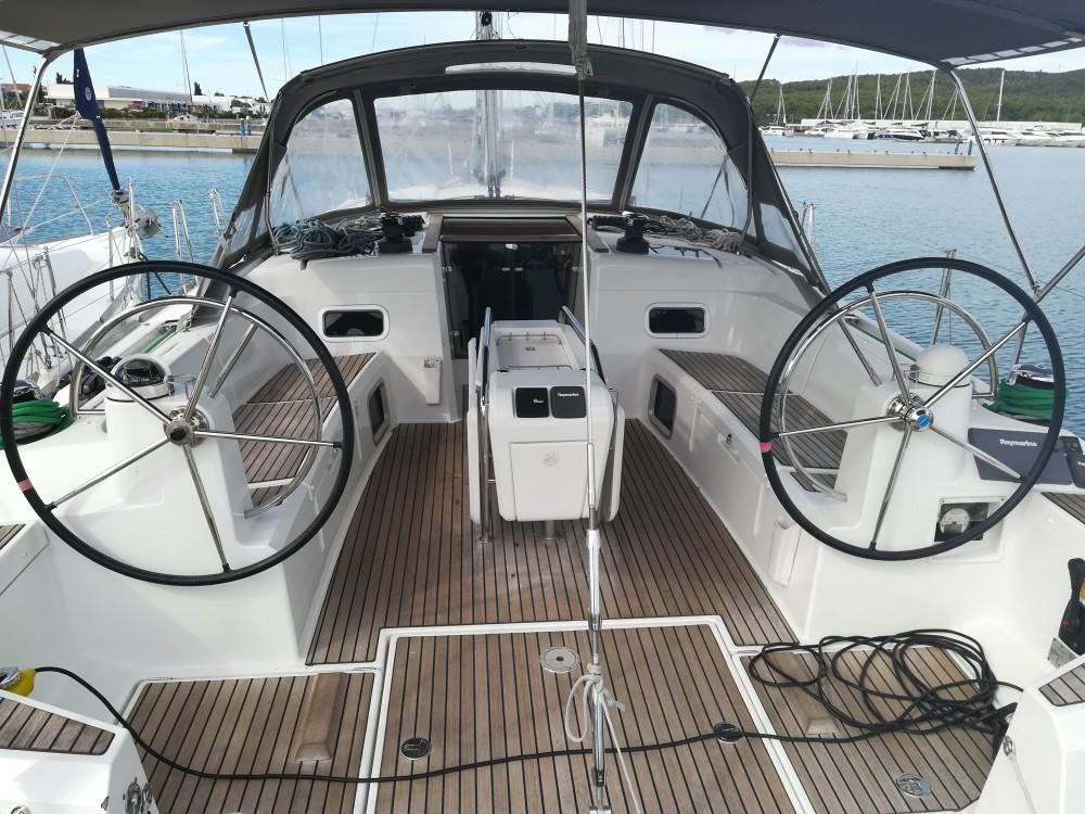 Louez un Jeanneau Sun Odyssey 509 Owner à Sukošan