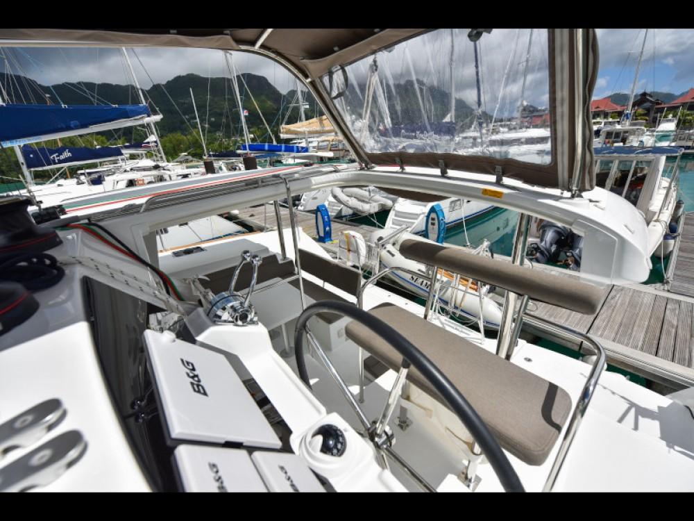 Location Catamaran à Victoria - Lagoon Lagoon 400