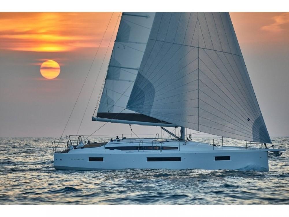 Louez un Jeanneau Sun Odyssey 410 à Follonica
