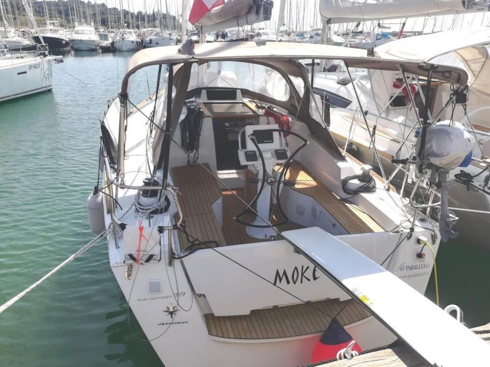 Location bateau Follonica pas cher Sun Odyssey 319