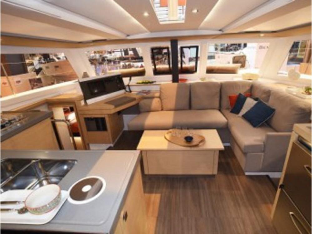 Location yacht à Calliaqua - Fountaine Pajot Lucia 40 sur SamBoat