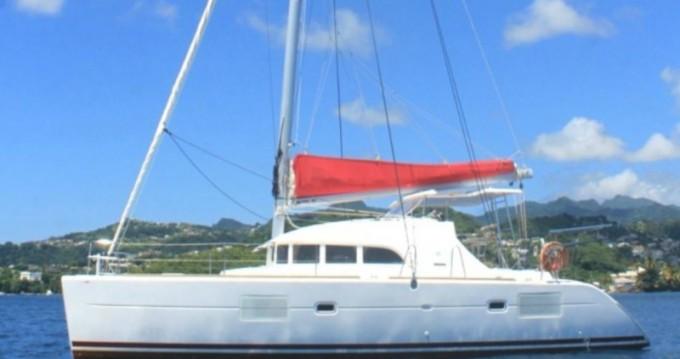 Catamaran à louer à Ribishi au meilleur prix
