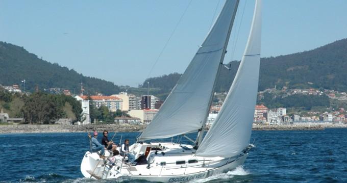 Location bateau Vigo pas cher Elan 31 Performance