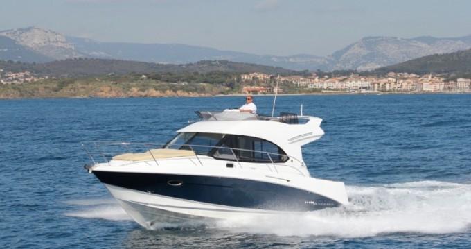 Louer Bateau à moteur avec ou sans skipper Bénéteau à Cannigione