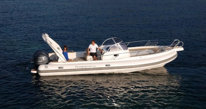 Location bateau Cannigione pas cher Tempest 900