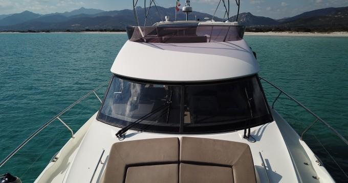 Location bateau Cannigione pas cher Prestige 500 Fly