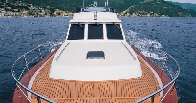 Bateau à moteur à louer à Cagliari au meilleur prix