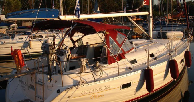 Location bateau Bénéteau Oceanis 36.1 à Athènes sur Samboat