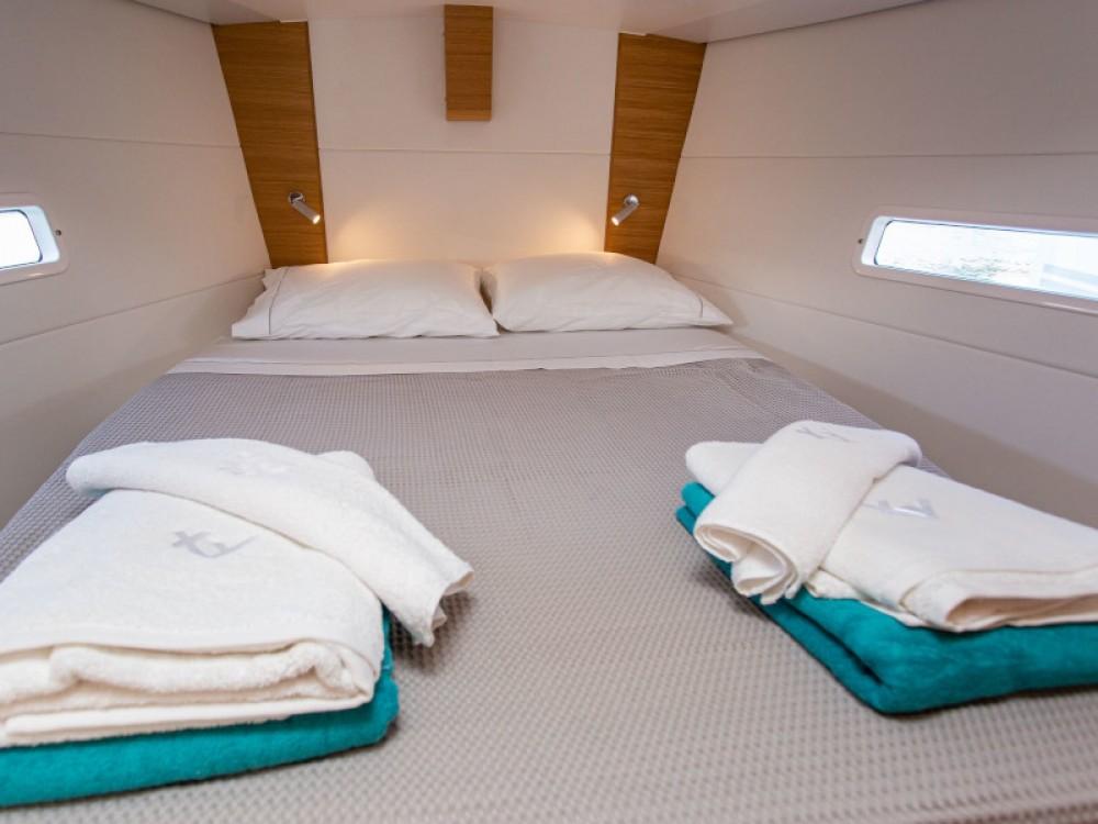 Louez un X-Yachts X4-6 model 2019 à Laurion