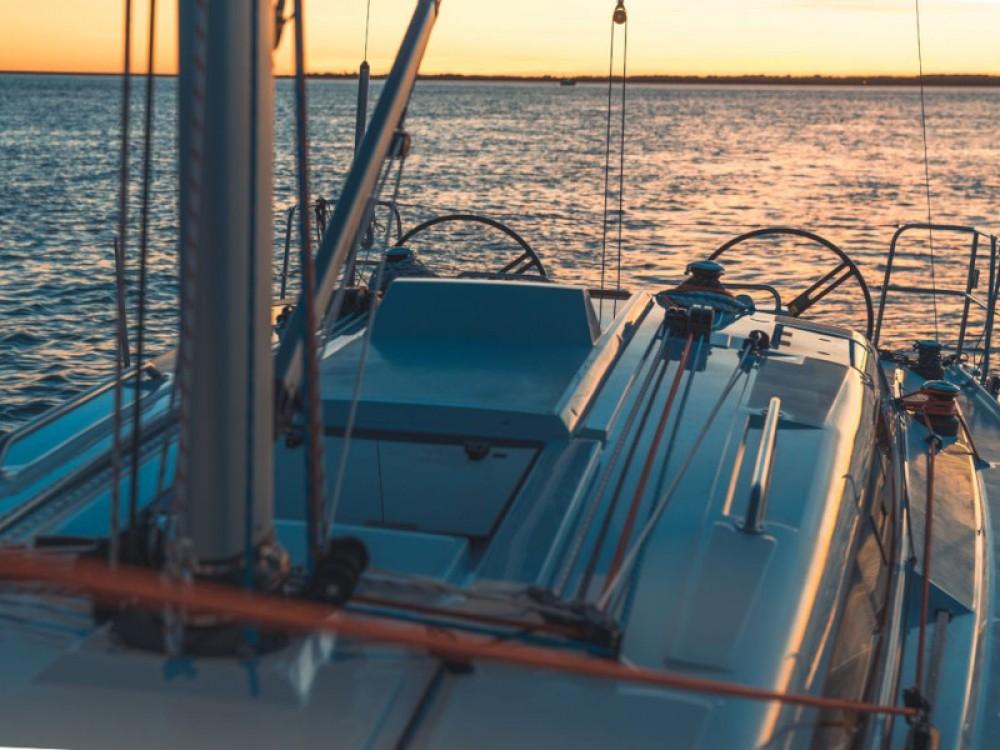 Location bateau Marina Pirovac pas cher Elan E4