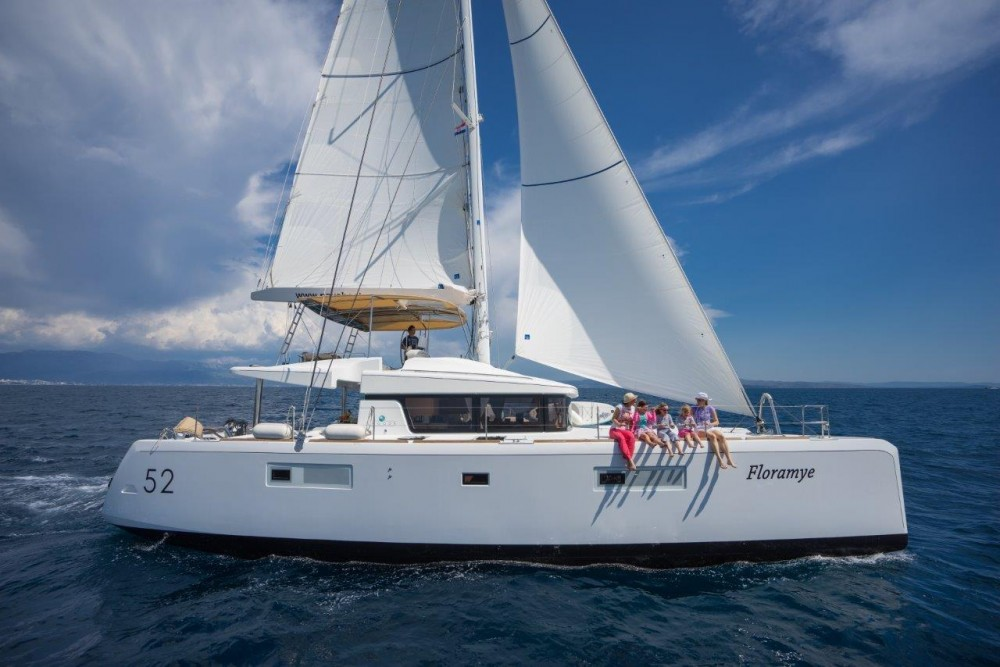 Location bateau Split pas cher Lagoon 52  (2014) equipped with generator, A/C (saloon+cabins), water maker, ice maker, underwater lights, 2 X S.U.P. , kayak, water ski, 8 snorkel. sets