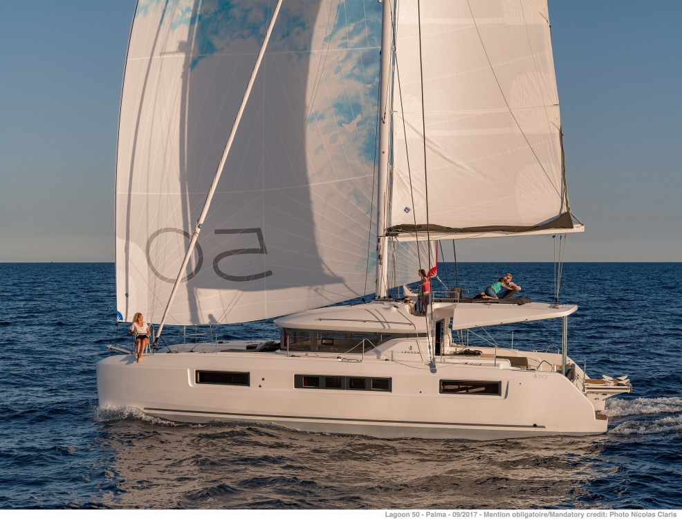 Location Catamaran à Spalato - Lagoon Lagoon 50 LUX (2020) equipped with airconditioning (saloon + cabins), generator, watermaker, ice maker, dishwasher, washer/dryer, 2 SUP