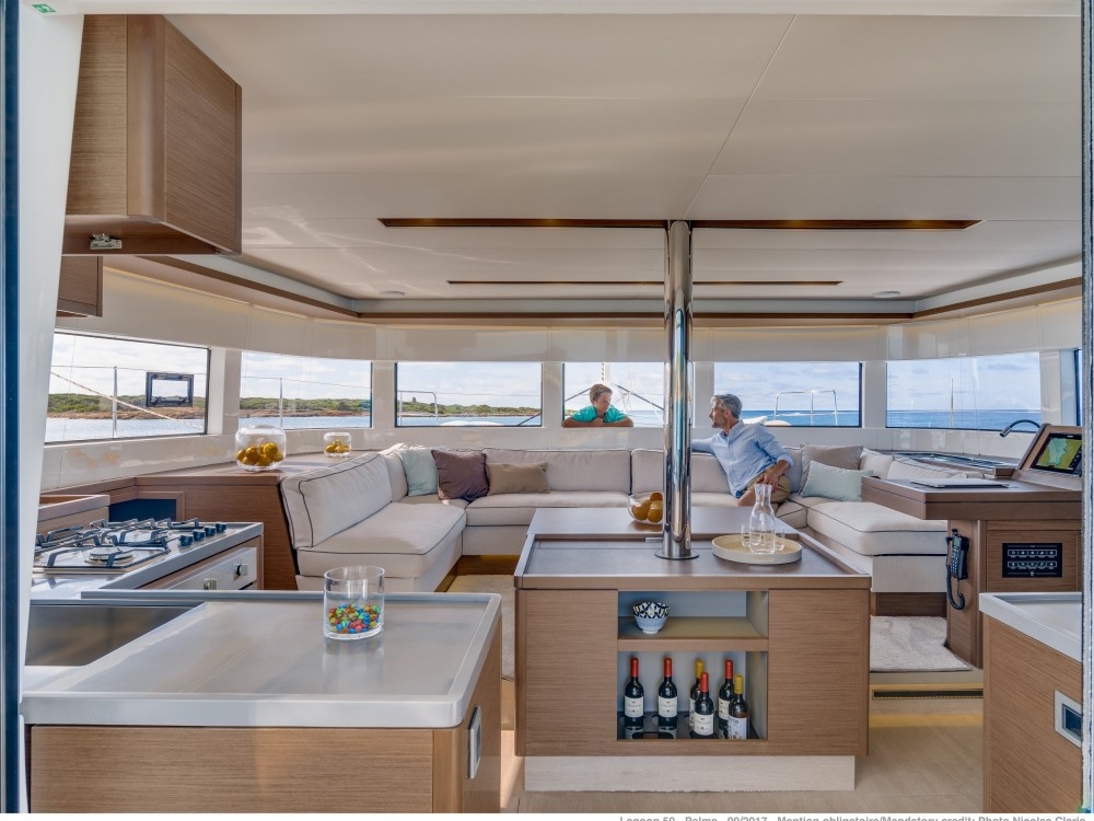 Location bateau Spalato pas cher Lagoon 50 LUX (2020) equipped with airconditioning (saloon + cabins), generator, watermaker, ice maker, dishwasher, washer/dryer, 2 SUP