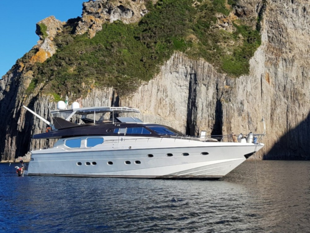 Location bateau  Rizzardi Posillipo Technema 80 à Ponza sur Samboat