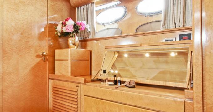 Location bateau Posillipo Rizzardi Posillipo Technema 80 à Ponza sur Samboat