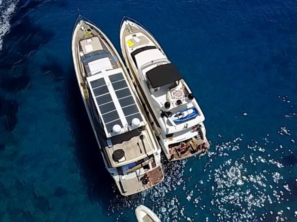 Location yacht à Ponza -  Rizzardi Posillipo Technema 80 sur SamBoat