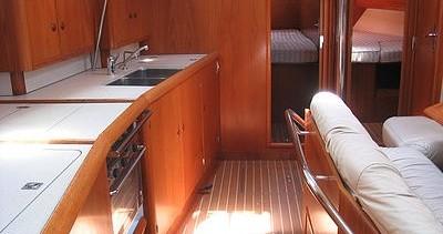 Location bateau Jeanneau Sun Odyssey 45.2 à Gouviá sur Samboat