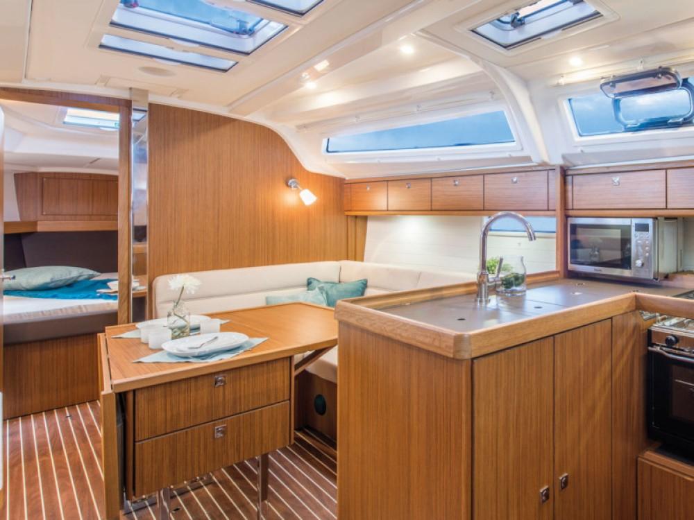 Location yacht à Murter - Bavaria Bavaria Cruiser 37 sur SamBoat