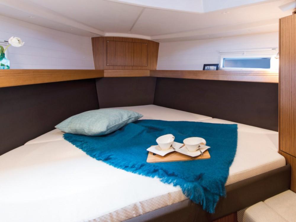 Location bateau Bavaria Bavaria Cruiser 37 à Murter sur Samboat