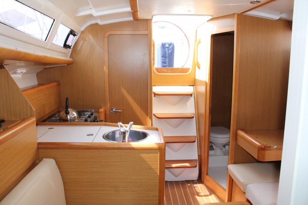 Jeanneau Sun Odyssey 33 entre particuliers et professionnel à Marsala Marina