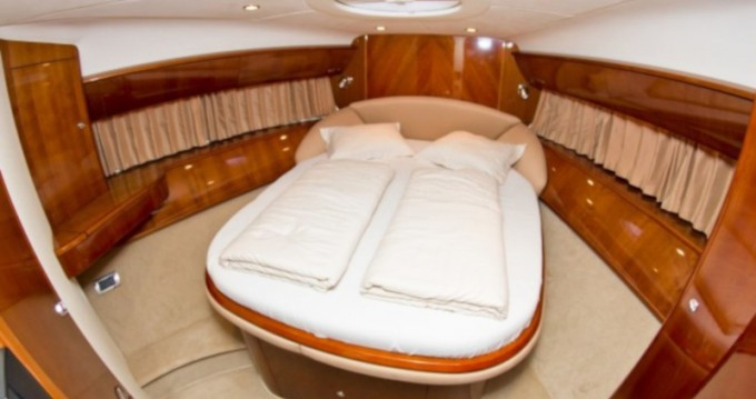 Louer Yacht avec ou sans skipper Princess à Primošten