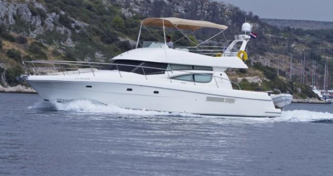 Location bateau Primošten pas cher Jeanneau Prestige 46 Fly