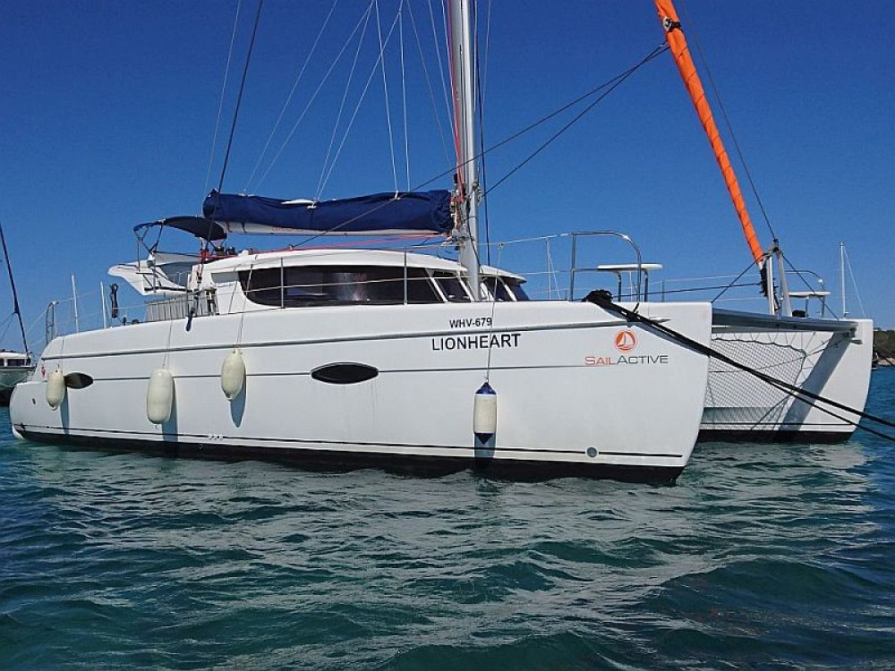 Location bateau Marina Naviera Balear pas cher Lipari 41