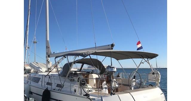 Location bateau Cannigione pas cher Cruiser 51