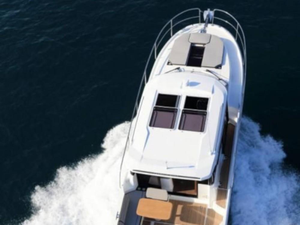 Louer Bateau à moteur avec ou sans skipper Jeanneau à Zadar