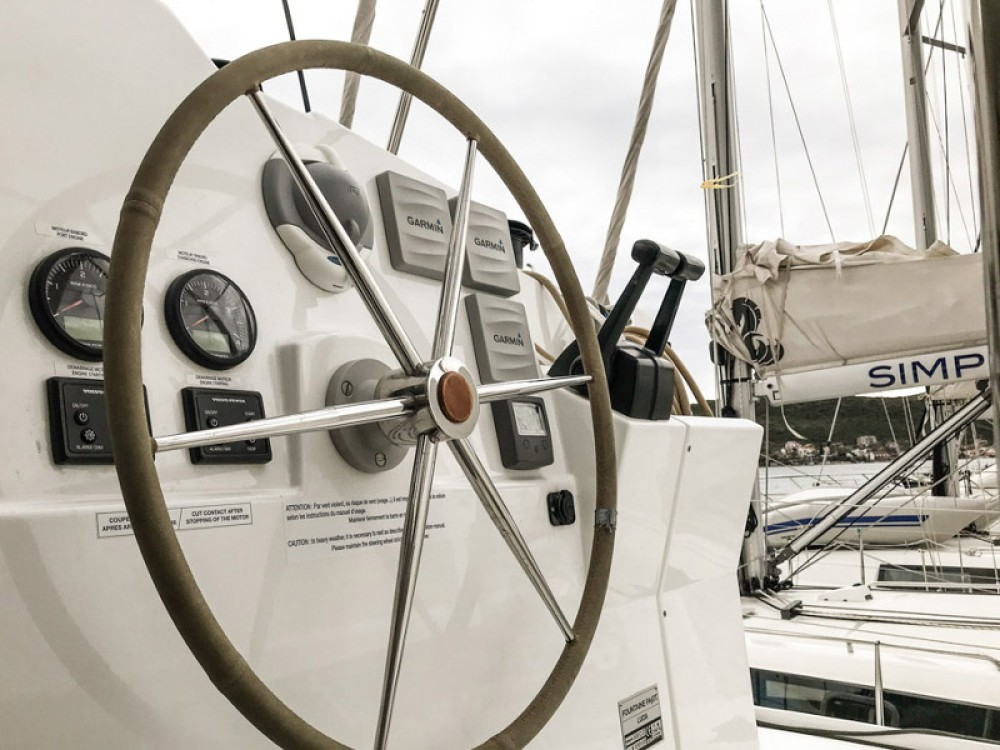 Location Catamaran à  - Fountaine Pajot Lucia 40