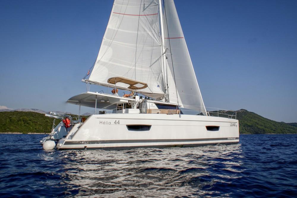 Location bateau Slano pas cher Helia 44 (4 cabs)