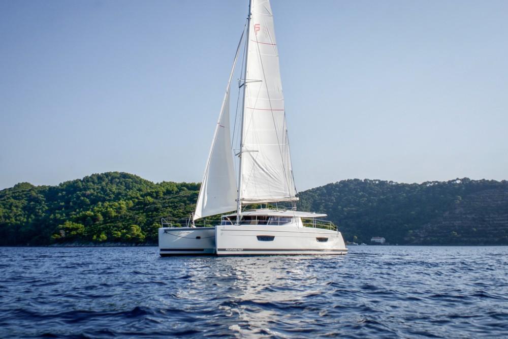 Catamaran à louer à Slano au meilleur prix