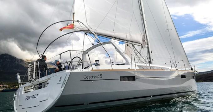 Location bateau Tivat pas cher Oceanis 45