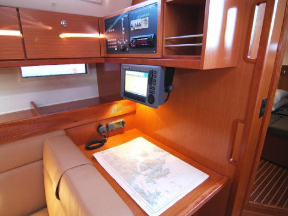 Location bateau Bavaria Bavaria Cruiser 45 à Marina di Portisco sur Samboat