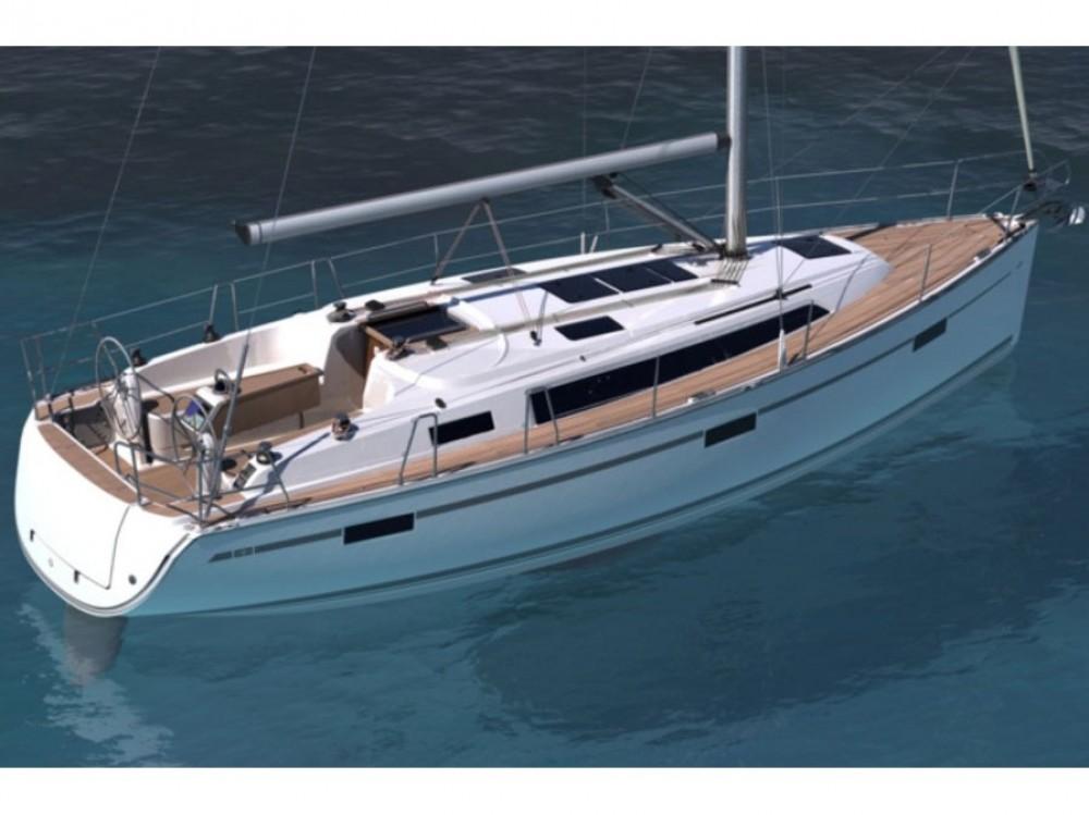 Louez un Bavaria Bavaria Cruiser 37 à Marina di Portisco