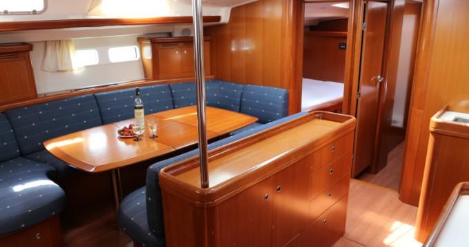 Location yacht à Kaštel Gomilica - Bénéteau Beneteau Oceanis 523 sur SamBoat