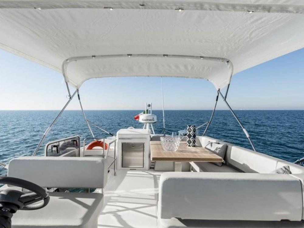 Location bateau Cranchi Cranchi E 52 F Evoluzione à Split sur Samboat